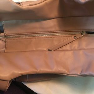 BCBGMaxAzria Bags - Like new large pink tote